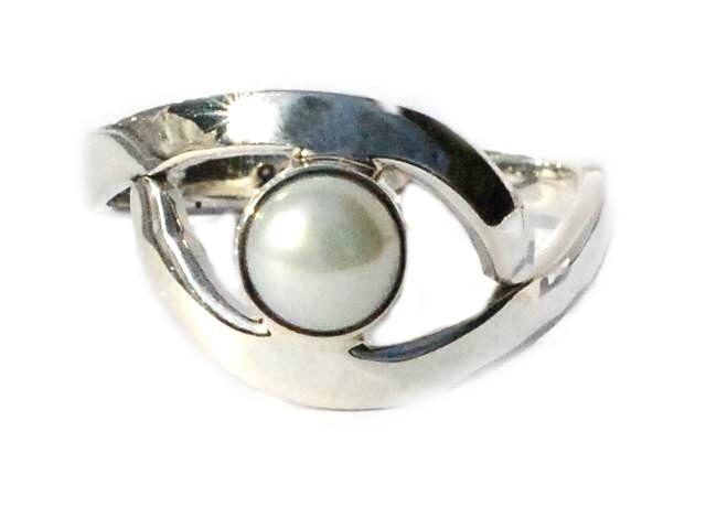 Sterling Silver Eye Shape PEARL  Ring